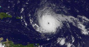 """Irma tiene potencial para devastar Florida"": Rick Scott, gobernador"